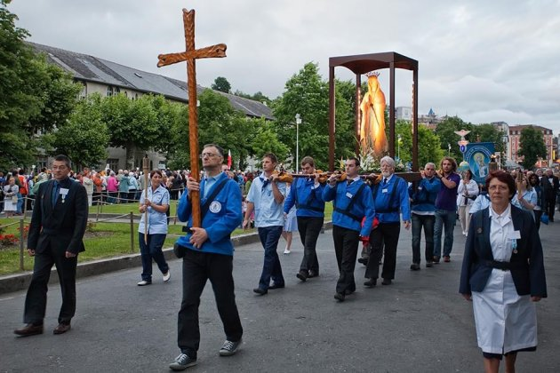 Procession Mariale (2)