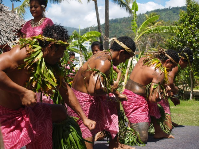mannen dansen traditionele dansen van Samoa