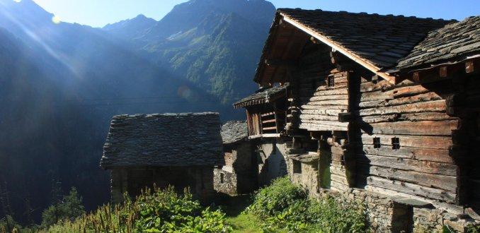 Alpenzu houten huizen
