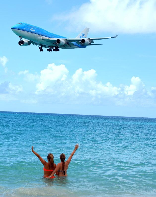 Waving at KLM from Maho Bay, Sint Maarten