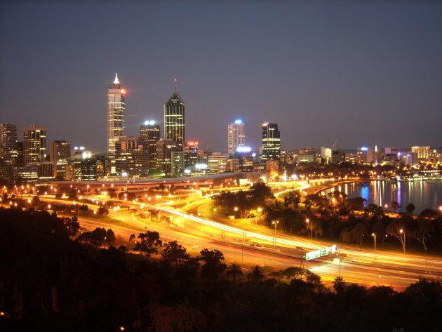 Uitzicht over Perth en de Swan River