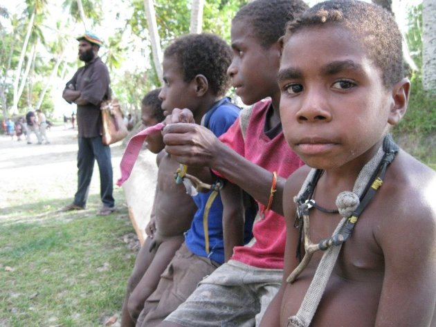 In dorpje op de Sepik rivier in PNG