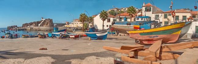 Bedrijvigheid in Madeirees vissersplaatje