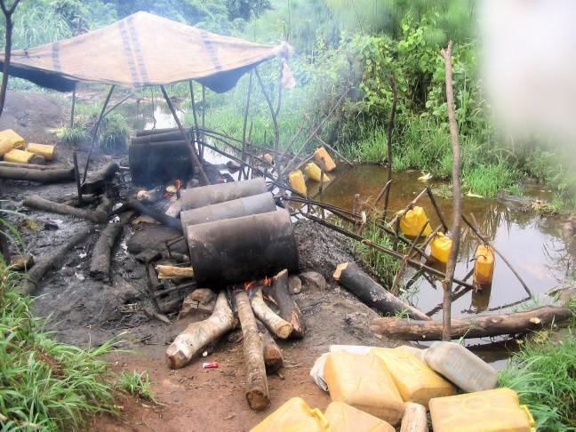 Lokale stokerij Waragi een sterkalcholische drank