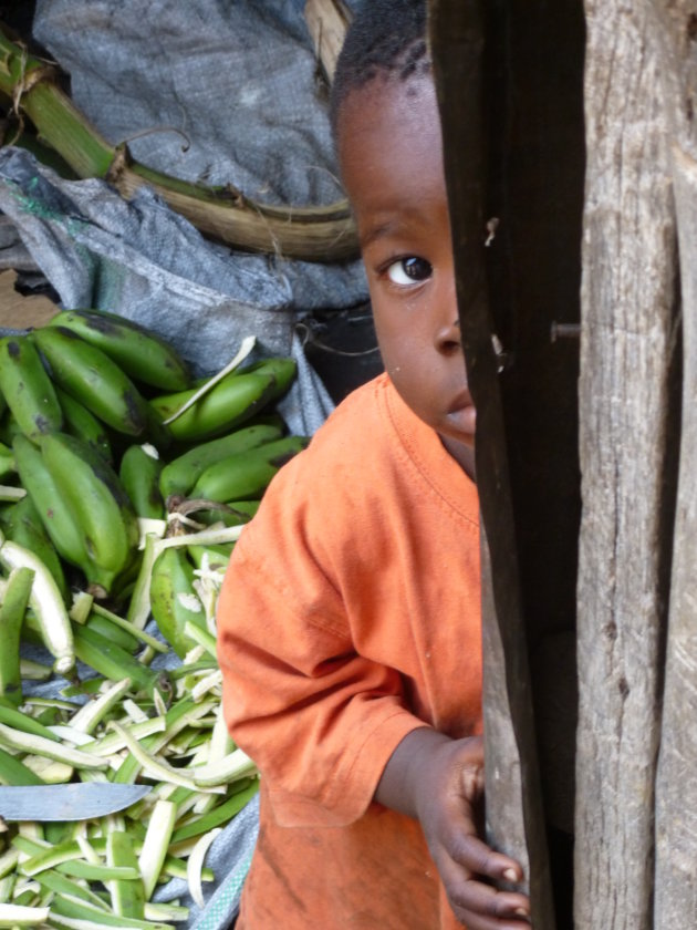 Jongetje in Bwaise Slum