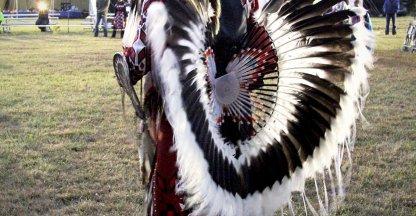indianentooi tijdens een pow wow