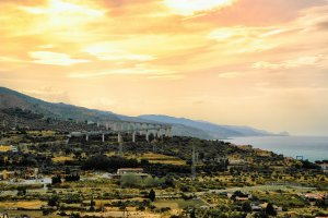 Uitzicht vanuit Santo Stefano di Camastra