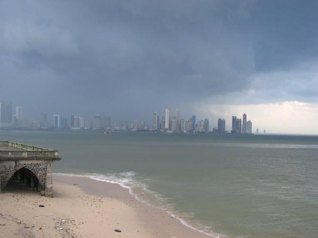 regen op Panama city