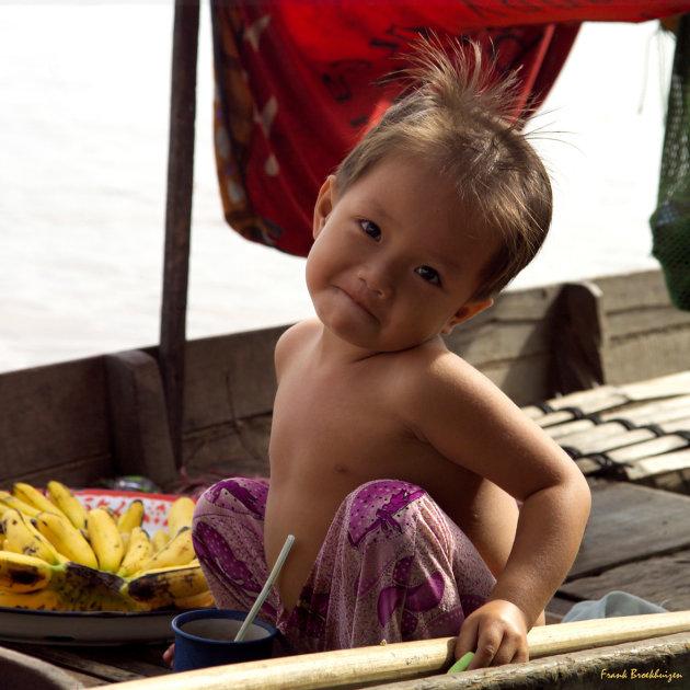 kindje op een bootje