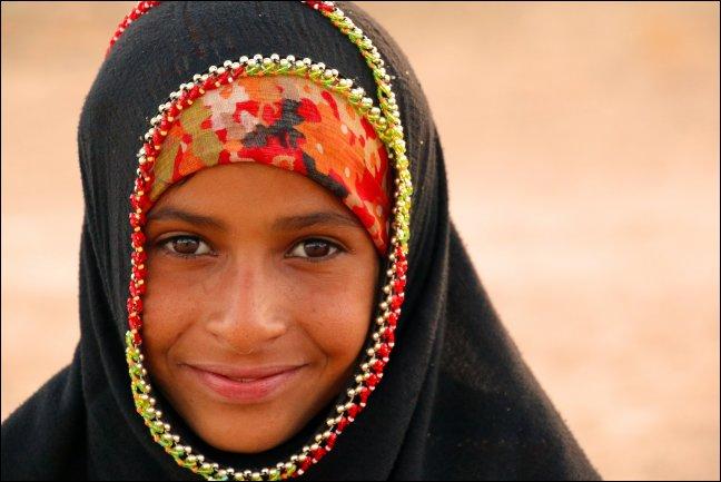 meisje in de woestijn