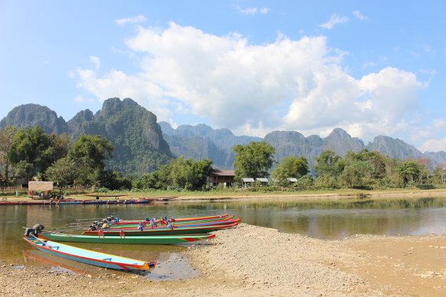 Bootjes aan de Nam Song River