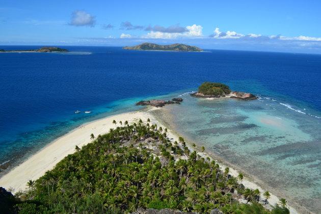 Uitzicht op koraalriffen nabij Mana Island, Fiji