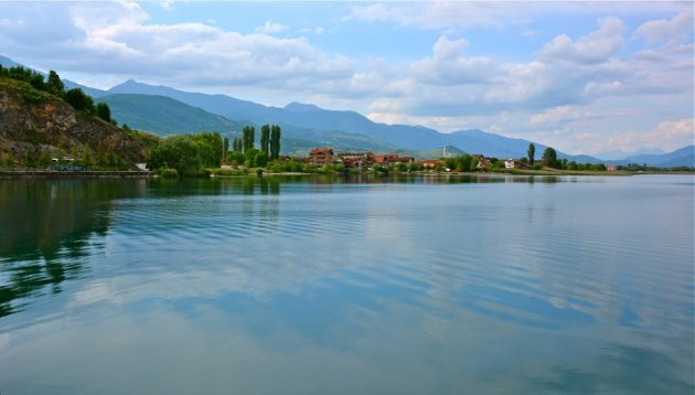 Zicht op Struga.