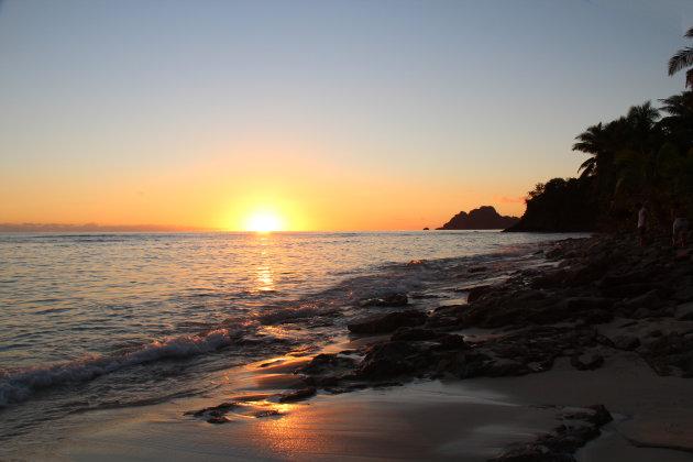 Zonsondergang op het eiland Matamanoa (Fiji)