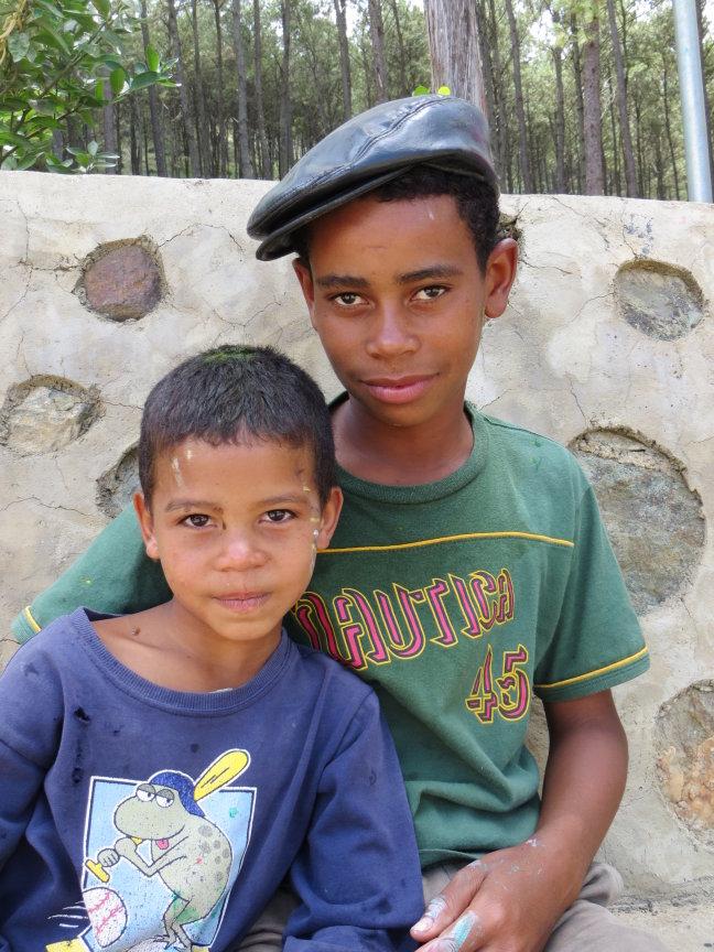 Prachtige kindjes in de armoede