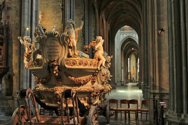 St. Joris en de Draak (koets)