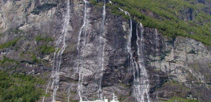 7 Zusters en de Hurtigruten