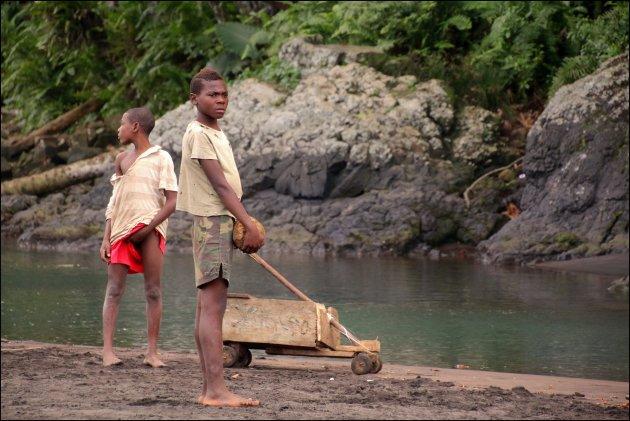 vervoer en spel op Sao Tomé
