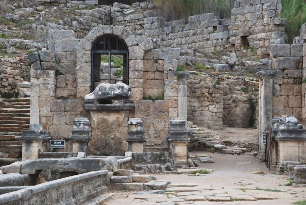 Nymfaeum in Perge een oude Grieks - Romeinse Stad