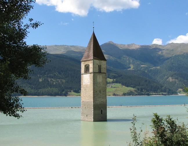 verdronken dorp Graun aan het Reschenmeer