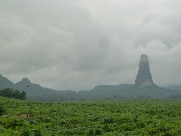 Cao Grande - de grote magische vulkanische berg van Sao Tomé.