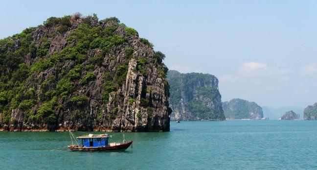 Uitzicht in Bai Tu Long Bay