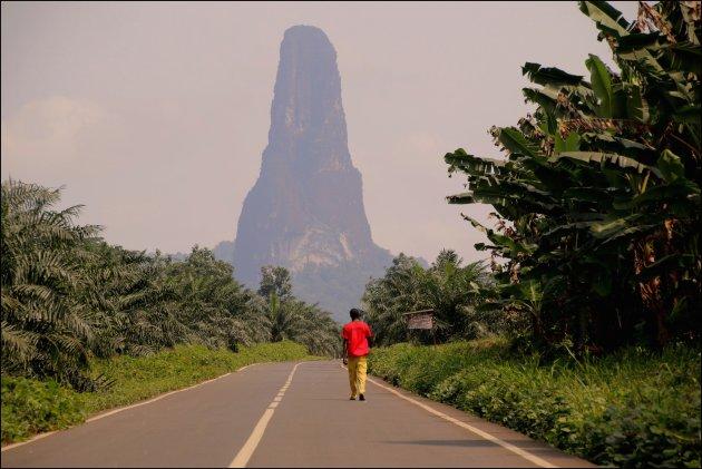 alleen op weg naar de Pico Cao Grande