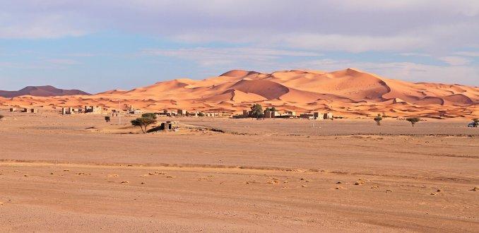 warm licht in de woestijn