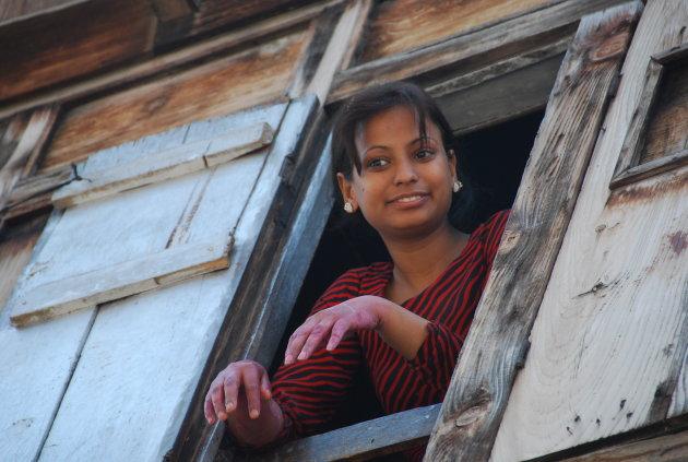 Meisje in Srinagar