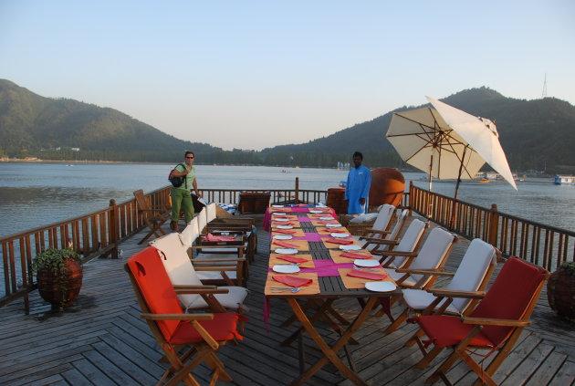 Houseboat Sukoon in Kashmir