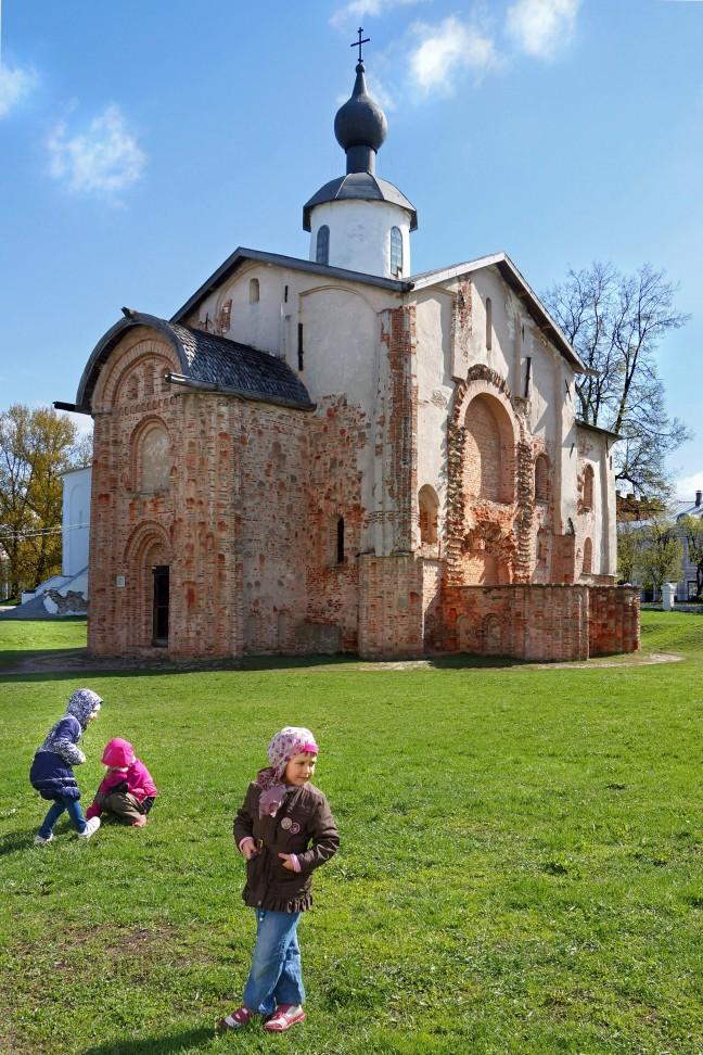 Bloemetjes plukken in Novgorod