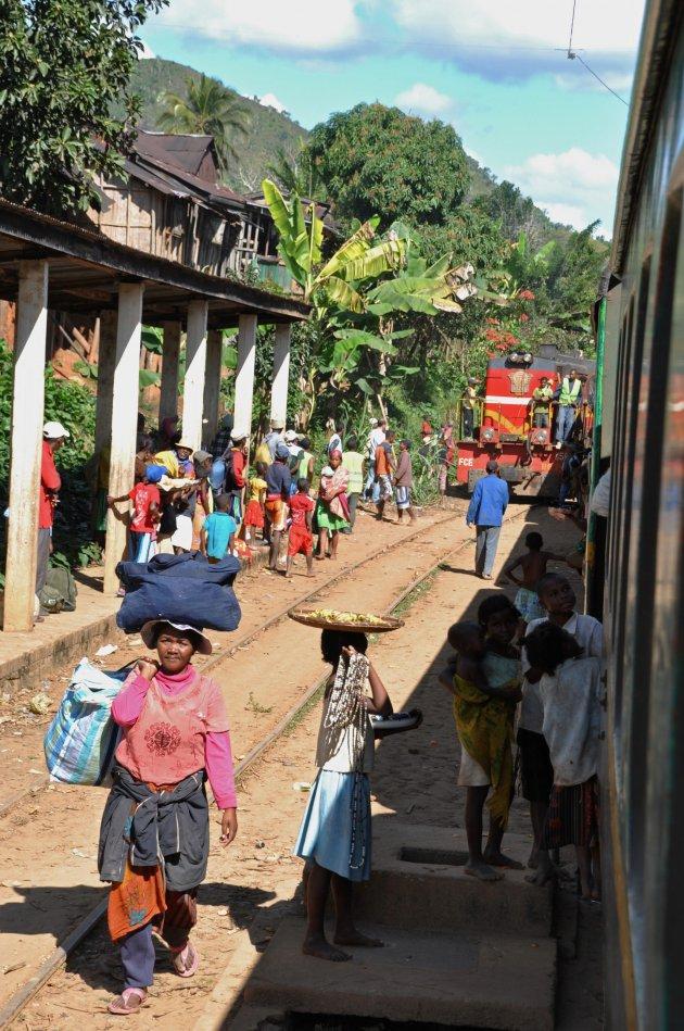 Maak de treinreis van Fianarantsoa naar Manakara en niet in omgekeerde richting