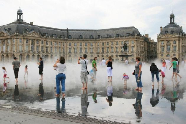 fontein Miroir d'Eau in Bordeaux