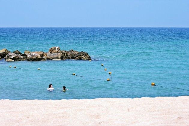 het strand Tel Achziv