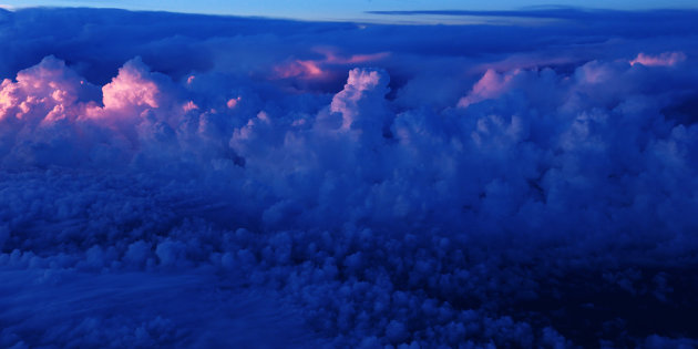 boven de wolken II