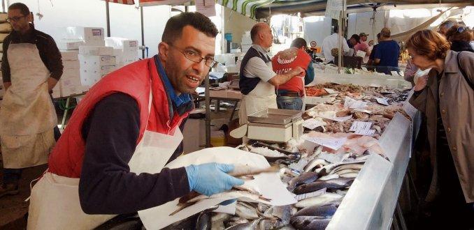 verse vis van de markt