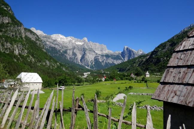 In de bergen van Teth