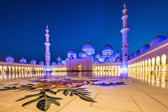 moskee bij valavond