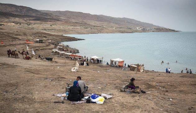 Bezoek de locals op het strand