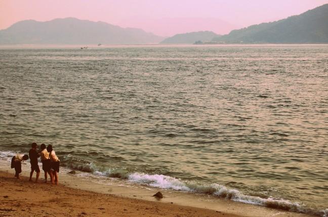 Op het strand van Hiroshima
