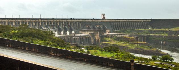 Itaipu- dam