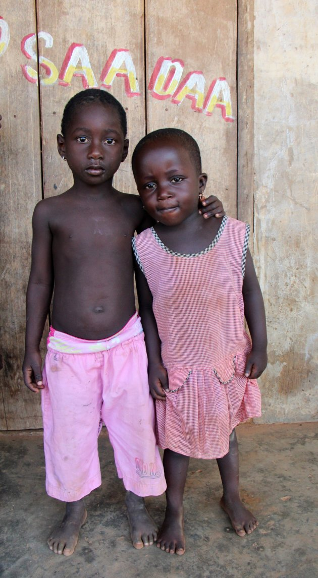 Roze broer en zus