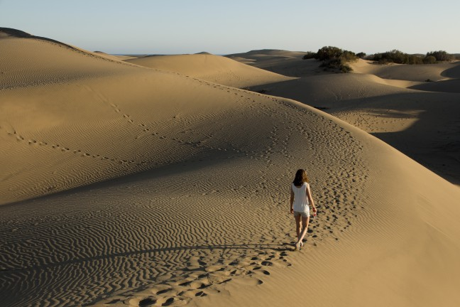 Struinen door de duinen van het natuurreservaat bij Maspalomas