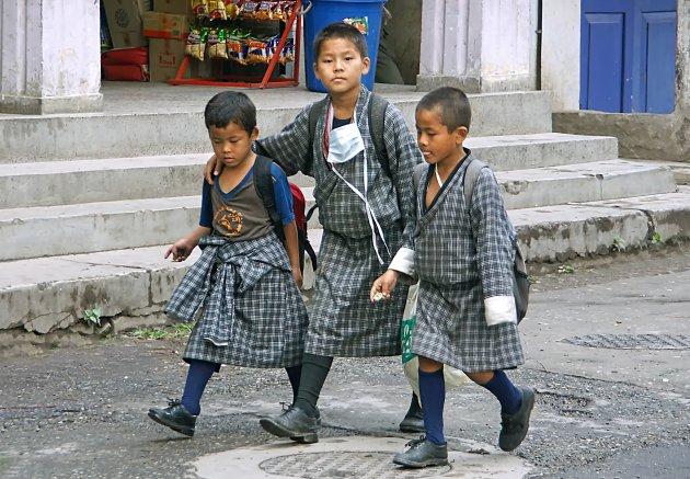 Naar school in Phuntsholing