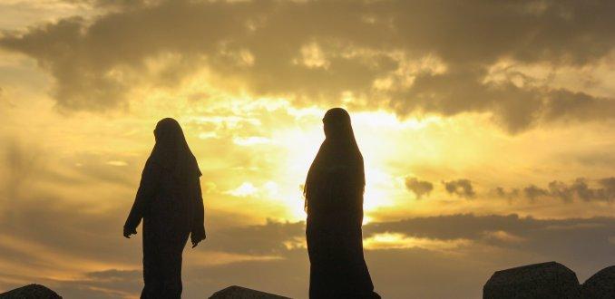 Marokkaanse vrouwen aan de wandel
