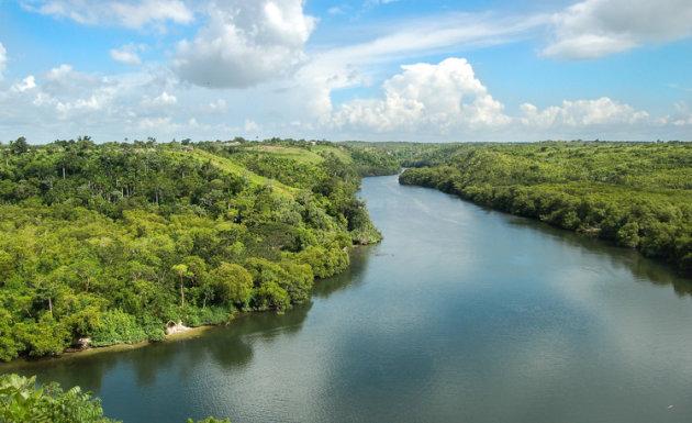 Uitzicht op de Canimar rivier