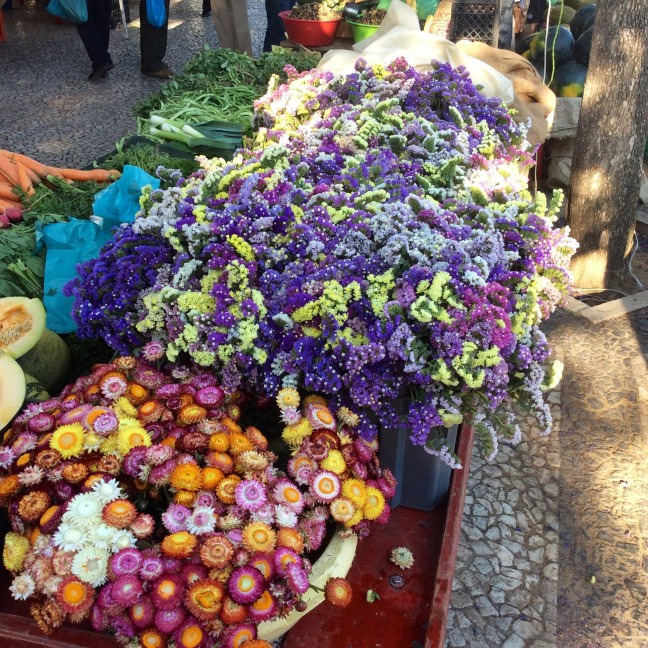 Bloemen op de markt van Estremoz op zaterdag
