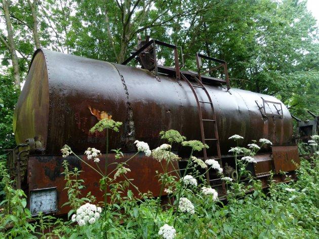 Overwoekerd tanktreinstel