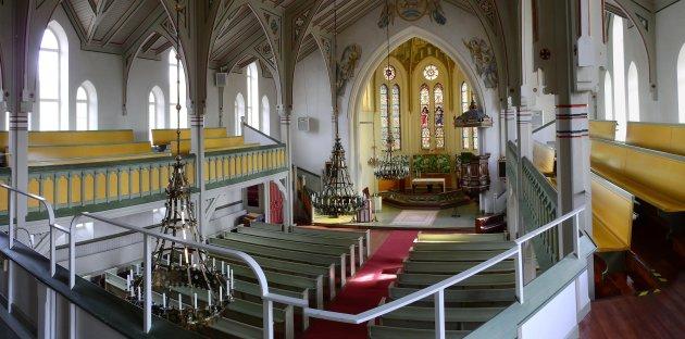 Interieur van kerk in Vindeln.