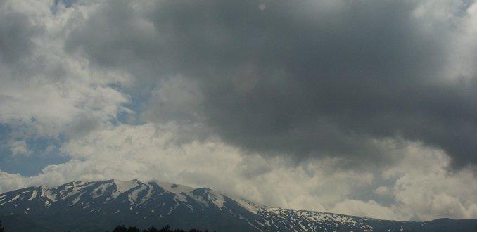 Donderwolken boven de Etna